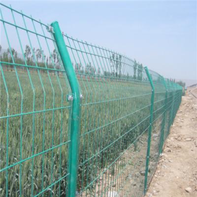 万泰铁丝护栏网 圈地铁丝网 圈小麦双边丝护栏
