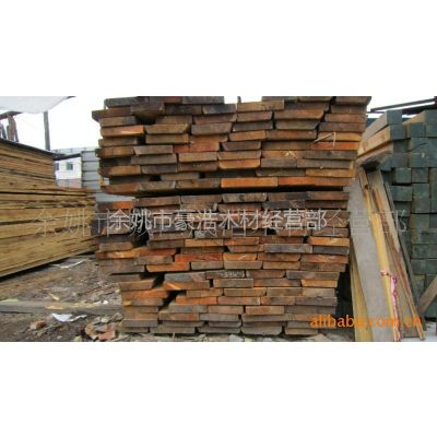 供应厚度5cm 自然宽 长度4米松木板材 余姚何成浩 余姚松木