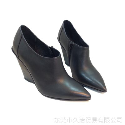 厂价直销 美国代购真皮黑色小牛皮尖头坡跟高跟鞋内拉链女单鞋