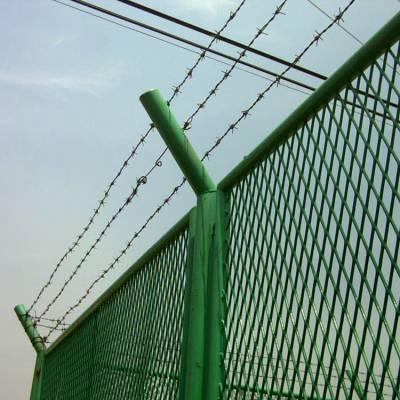 供应钢丝网厂供应生产护栏网,钢丝网围墙,铁丝网围墙,铁丝网隔离墙