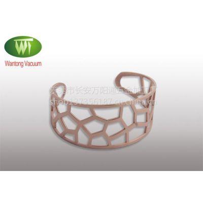 供应东莞万通提供不锈钢饰品IP玫瑰金手镯真空镀膜加工