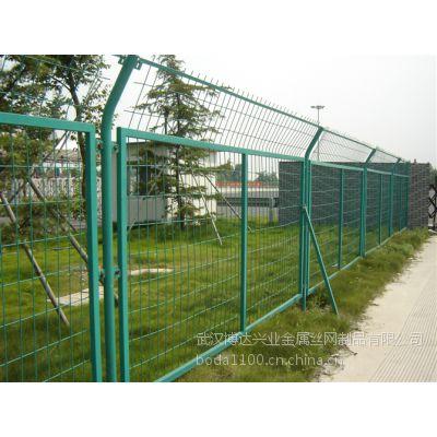 武汉钢板网护栏/浸塑钢板网围栏厂家直销物美价廉质量高