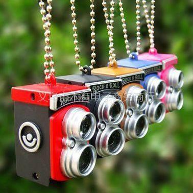 供应小额批发 个性复古单反相机手机挂件 包包钥匙挂件 带闪光灯 有声