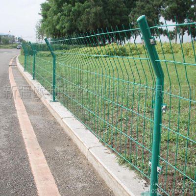 新疆欧利特供应双边丝护栏网、公路护栏网 有现货