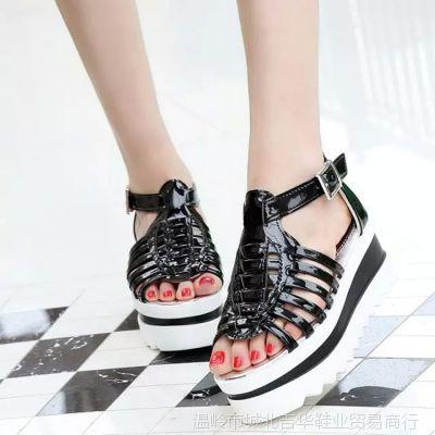 2015韩版新品圆头露趾坡跟防水台女鞋软皮扣带高跟女凉鞋
