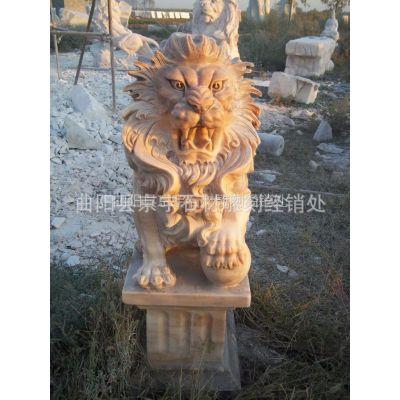 供应曲阳石雕 石雕狮子 晚霞红石雕狮子 蹲狮 现代石狮雕刻