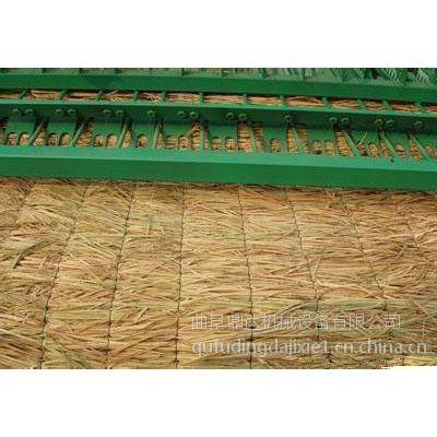 养殖棚舍草帘加工机械 公路养护专用电动草帘机 绿化专用草苫机 鼎达