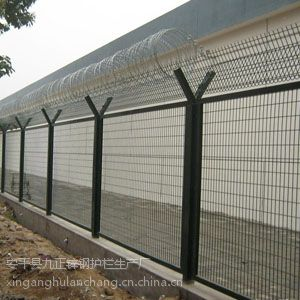围栏网、庭院围栏、金属围网、侵塑护栏网