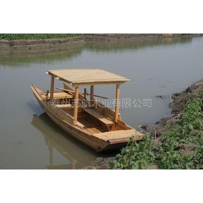 水上观光木船,景区手划游玩木船