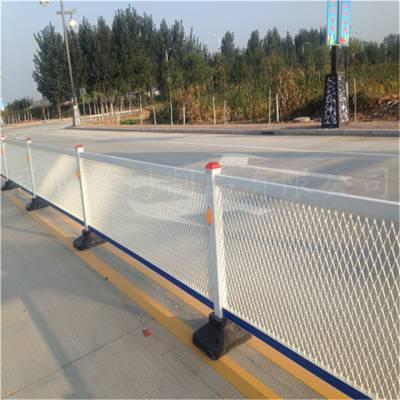 钢板网厂家介绍钢板网护栏网规格优势【冠成】