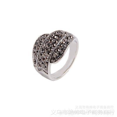 小商品淘宝热销古银色镶黑钻戒指仿真首饰批发