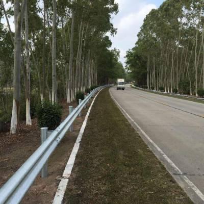 广州乡道波形钢板 热镀锌钢板 县级道路隔离栏现货 钢材