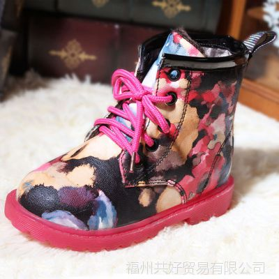温州童鞋批发女童靴子马丁靴时尚雪地靴厂家直销清仓甩货亏本
