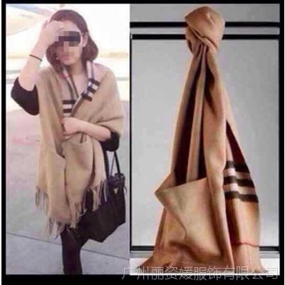 欧洲站新款女士披肩欧美大牌羊绒格子口袋披肩秋冬保暖大长巾围巾