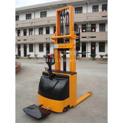 供应厂家供应CTD全电动堆高车载重1.5吨升高1.6米