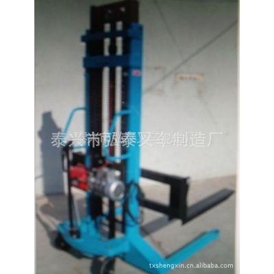 供应1.5吨轻型半电动堆高车 简易半电动叉车 电动堆高车厂家直销