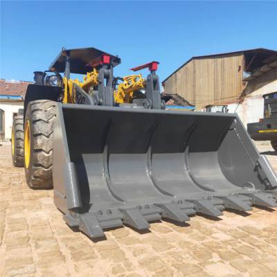 中首重工新型井下矿用装载机地下室专用卸载高度1.8米,无极变速四缸厂家直销价格