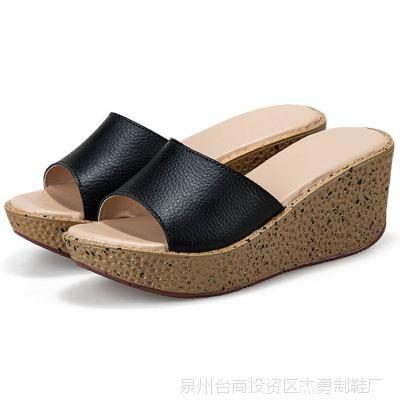热卖夏季新款凉拖鞋真皮坡跟凉鞋松糕鞋一字拖厚底防水台女式凉拖
