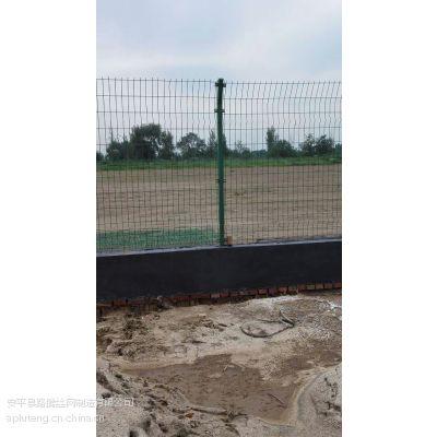 江苏采摘园圈地防护网专业厂家,果园圈地围栏网价格,果园围栏网批发价格表,养殖铁丝网多少钱一平米