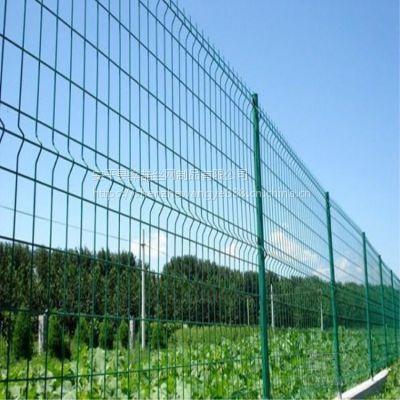 供应高速公路双边丝护栏网 圈地果园隔离防护网 铁丝双边丝围栏网