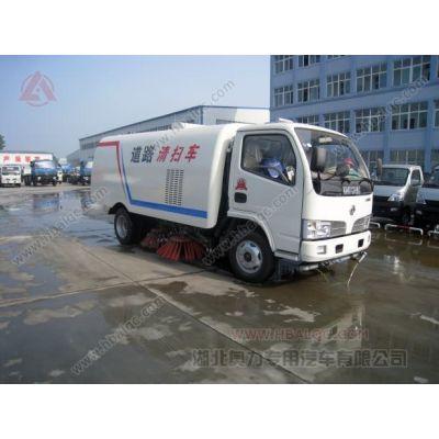 供应东风小霸王带扫水功能的扫地车