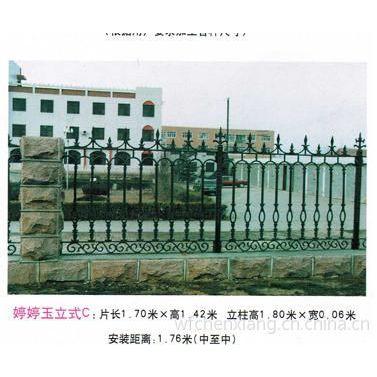 供应热镀锌护栏 栏杆 铸铁栏杆 电动伸缩门 pvc护栏