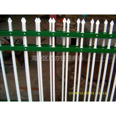 供应新城热镀锌围墙护栏 工厂护栏价格低  组装式围墙护栏厂家直销 护栏厂家高品质的护栏