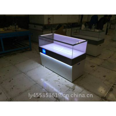 北京慕修广告有限公司烤漆展示柜制作工厂