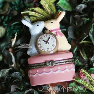 日本正品爱丽丝仙境兔子钟陶瓷首饰盒礼物盒卡通情侣兔戒指盒摆设