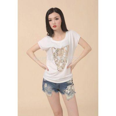 供应时尚立体绣花休闲T恤  8031