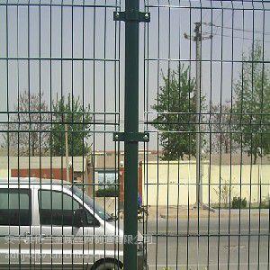 供应坚固价格低的双边护栏网厂家 护栏网多少平一米