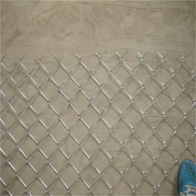 旺来篮球场围栏网厂家 球场围栏网图片 包塑勾花网厂