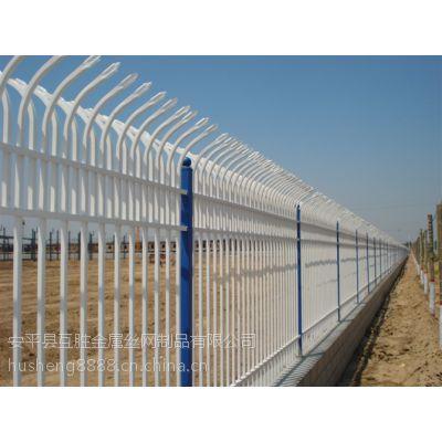 南京专用绿色锌钢栅栏互胜厂家(小区锌钢栅栏围墙网价格)