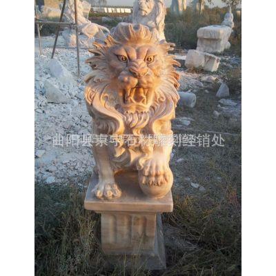 供应曲阳石雕狮子 雕刻狮子 晚霞红西方狮子现代石狮子 现代狮子一对