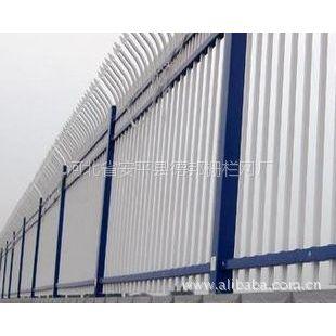 供应锌钢E型双向弯头护栏-银行围墙栅栏-交叉弯头防攀爬栅栏德邦护栏