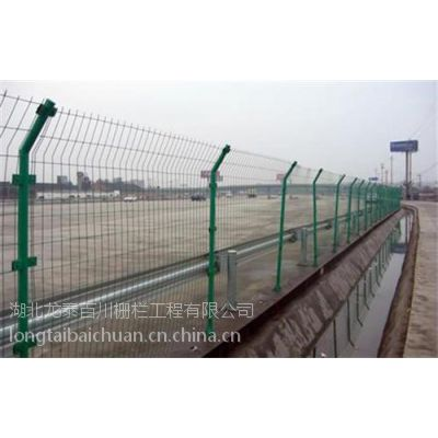 硚口公路护栏网,龙泰百川栅栏,公路护栏网价
