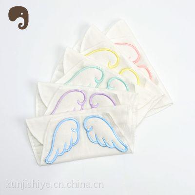 爆款特价 婴儿用品批发天使翅膀吸汗巾宝宝隔汗巾 垫背巾 纱布巾
