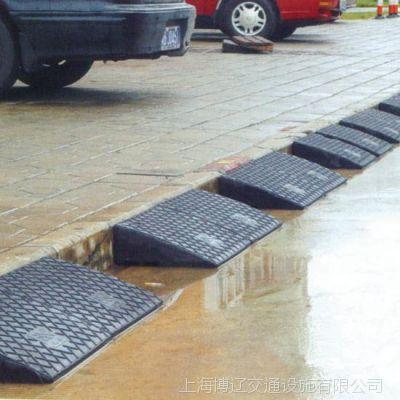 橡胶斜坡垫三角爬坡垫 上坡垫汽车 防滑上台阶梯 路斜坡10CM高