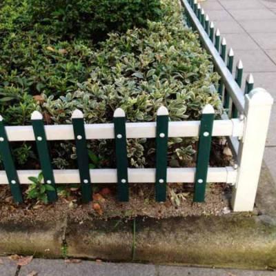 河南新农村草坪护栏pvc花园围栏 公园护栏塑钢草坪围栏现货