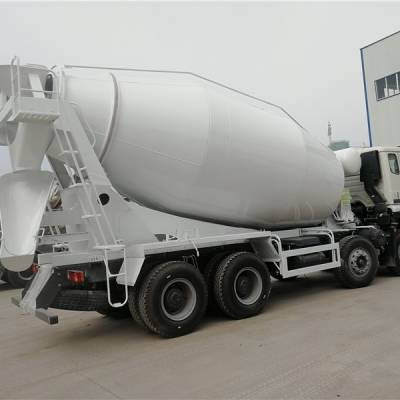 福田欧曼18方水泥罐车一般价格是多少钱