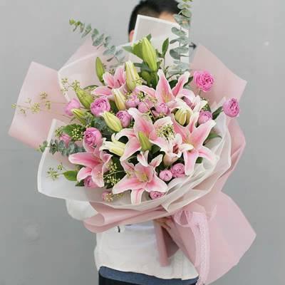 南宁万科城情人节鲜花花束万科城配送鲜花1529)6564995情人节鲜花礼盒装速递