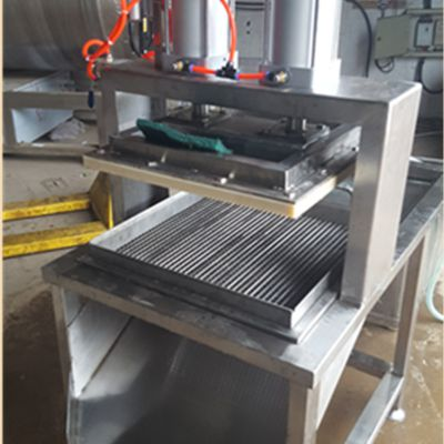 厂家直销豆腐千叶豆腐切块机 双缸气动切块切片设备
