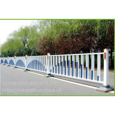 Q235渭南组装式围墙栏杆,HC渭南京式交通护栏,仿竹草坪栅栏,仿木纹道路隔围栏,