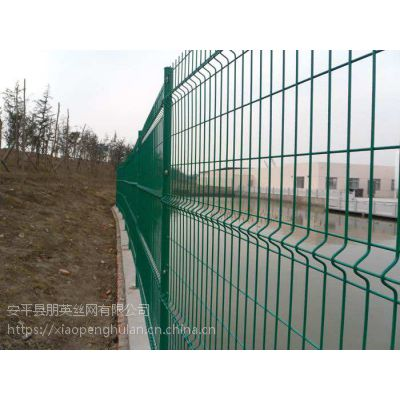 朋英 生产工艺 安全防护网 鱼池,河道安全防护隔离网 三角折弯护栏网 浸塑