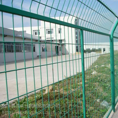 朔州高速公路隔离网 浸塑双边护栏网 园林工程道路护栏网厂家直销