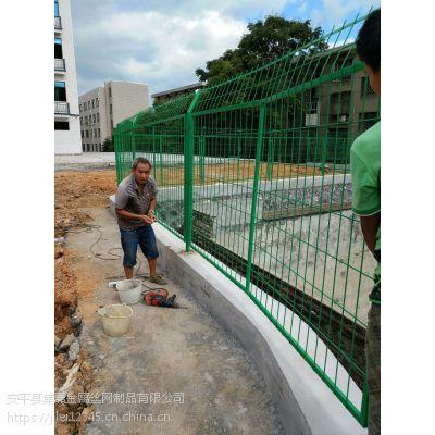 厂家江苏定做 淮安道路护栏网 泰州规格全 铁丝网价格 2米高护栏网多少钱一平米