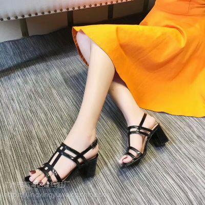 2018新款夏季女鞋 T字带设计粗跟舒适性感凉鞋批发