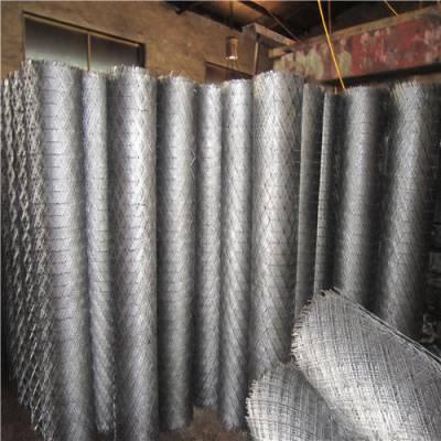 河北菱形钢板网每平重量/菱型菱形脚踏钢板网/冠成