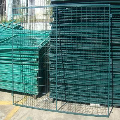 高速围栏 足球场地围网 公路隔离栅厂家