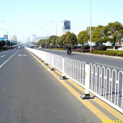 惠州道路防护栏现货 交通乙型护栏图片 汕尾鹅埠镇人行道栅栏现货